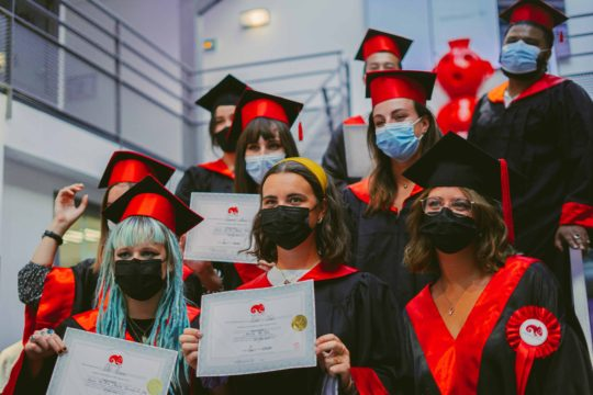 Chapeaux jeunes diplômés