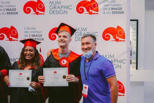 jeunes diplômés avec prof