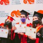 3 jeunes diplômés